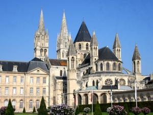 CAEN-Abbaye-aux-Hommes-9