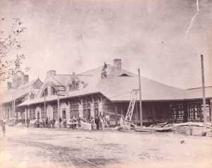 Framingham_Railroad_Station_under_construction