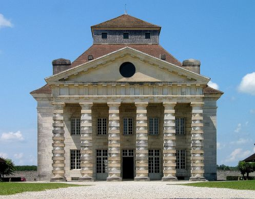 France_arc_et_senas_saline_royal_main_building_1.jpg